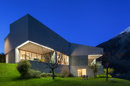 Foto de Architecture modern design, concrete house, night scene - Imagen libre de derechos