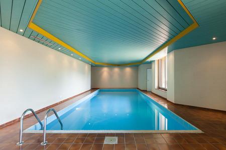 Foto de Architecture, house with indoor swimming pool - Imagen libre de derechos