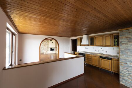 Photo pour Traditional kitchen with terracotta and wood on the ceiling. Nobody inside - image libre de droit