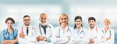 Photo pour Professional healthcare people with other doctors, nurse and surgeon. - image libre de droit