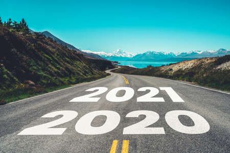 Photo pour 2021 New Year road trip travel and future vision concept . Nature landscape with highway road leading forward to happy new year celebration in the beginning of 2021 for fresh and successful start . - image libre de droit