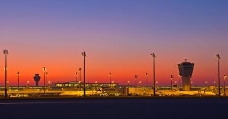 Flughafen MÃŒnchen, Terminal 2 bei Sonnenuntergang