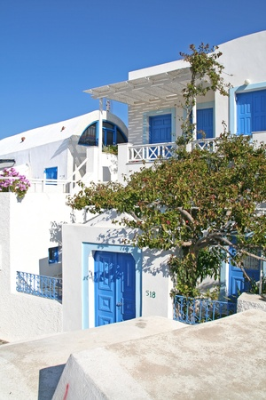 Oia auf Santorin, blaue TÃŒren
