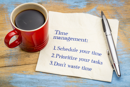 Photo pour Time management tips - handwriting on a napkin with a cup of coffee - image libre de droit