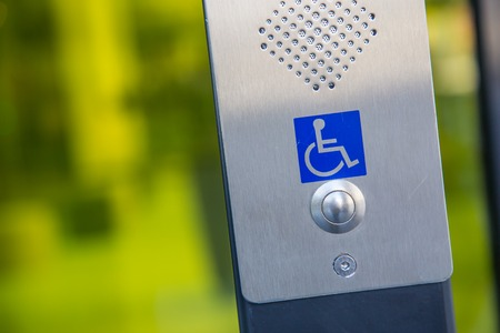 Call button for the disabled personnes