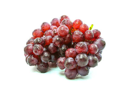 Photo pour fresh grapes on Wooden tray with isolated white background - image libre de droit