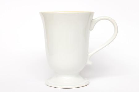 Photo pour White ceramic mug isolated on white background - image libre de droit