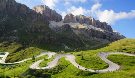 Foto de Picturesque Dolomites  landscape with mountain road  Italy - Imagen libre de derechos