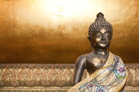 Sit Gold buddha
