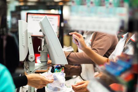 Photo pour An Grocery store checkout in super market . - image libre de droit