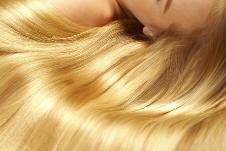 Photo pour long blond hair as background - image libre de droit