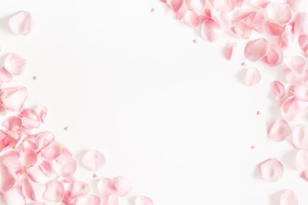 Foto de Flowers composition. Rose flower petals on white background. Valentine's Day, Mother's Day concept. Flat lay, top view, copy space - Imagen libre de derechos