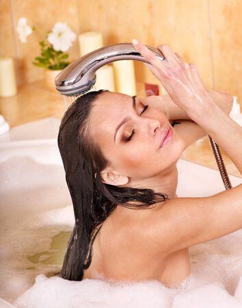 Photo pour Young woman take bubble  bath. - image libre de droit