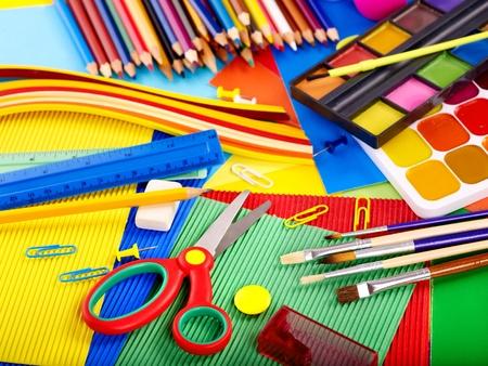 Photo pour Close up of group writing utensils. - image libre de droit