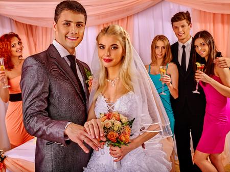 Photo pour Group young people  at wedding. Wedding party. - image libre de droit