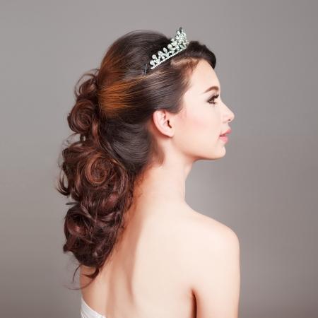 Photo pour Bridal Make up and Hair Style in studio shot  - image libre de droit