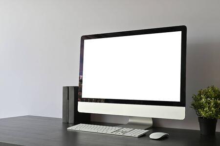 Photo pour Workspace pc computer and books on black office desk and copy space. - image libre de droit