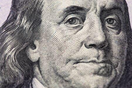 Photo pour Benjamin Franklin portrait. Hundred dollars banknote closeup macro - image libre de droit