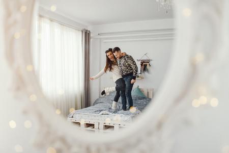 Photo pour couple in a bad - image libre de droit