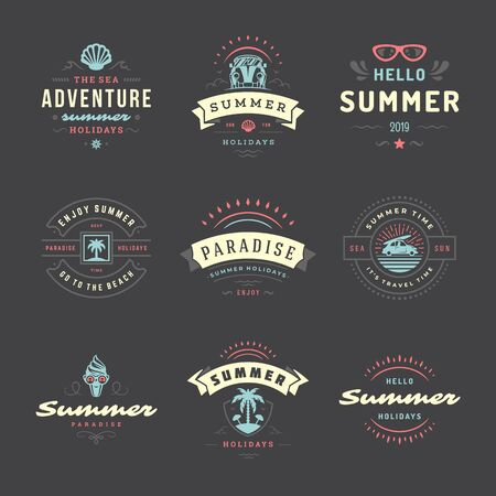 Foto per Summer holidays labels and badges retro typography design set. - Immagine Royalty Free