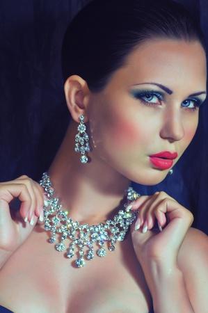 Photo pour Fashion woman with jewelry precious decorations  - image libre de droit