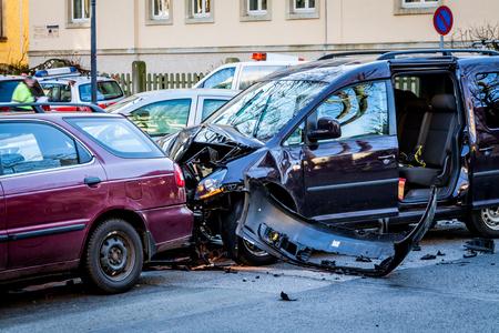 Photo pour Car accident - image libre de droit