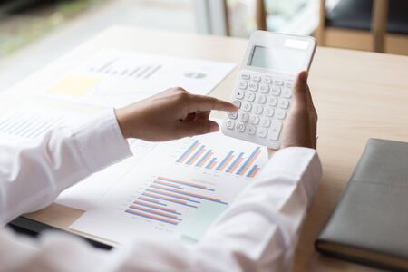 Foto de The professional investor, businessman Executives are working and analyzing project statistics result in report investment and planning strategic marketing, financial and accounting concept - Imagen libre de derechos
