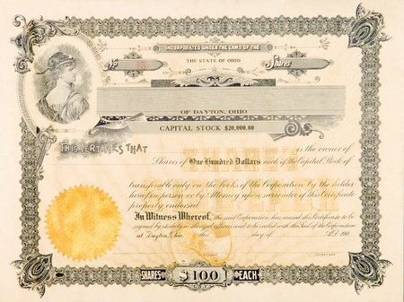 Photo pour Stock certificate from an Ohio, USA company issued in 1904.  The vignette in the upper left has a young woman looking over her shoulder with a star on her forehead. - image libre de droit