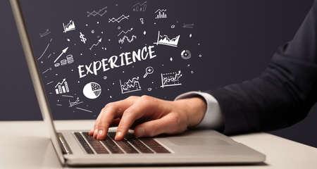 Photo pour Businessman working on laptop, business concept - image libre de droit
