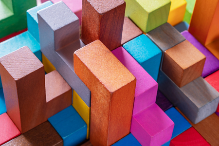 Foto de Geometric shapes on a wooden background, close-up. The concept of logical thinking - Imagen libre de derechos
