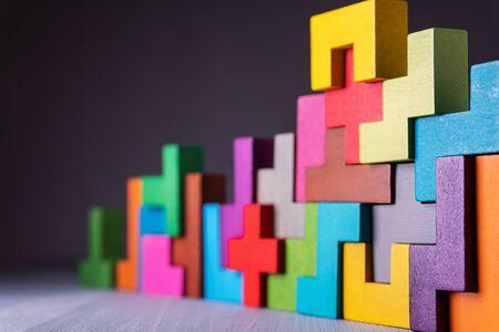 Foto de The concept of logical thinking. Geometric shapes on a gray background. Business building concept. - Imagen libre de derechos