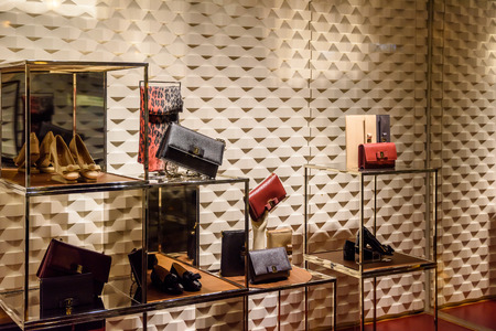 Photo pour VALENCIA, SPAIN - JULY 22, 2016: Luxurious Woman Clothing And Accessories For Sale In Store Window Display. - image libre de droit