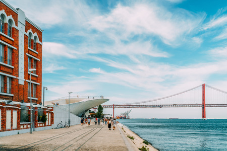 Foto per LISBON, PORTUGAL - AUGUST 23, 2017: The New Museum Of Art, Architecture and Technology (Museu de Arte, Arquitetura e Tecnologia) Or MAAT Is A Science And Cultural Project Of Lisbon City Opened In 2016 - Immagine Royalty Free