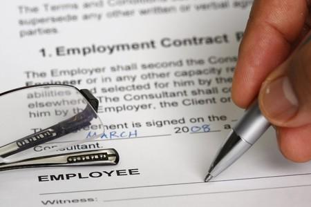 Foto de Employment contract signing  - Imagen libre de derechos