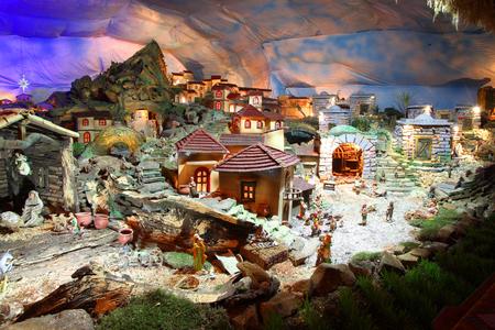 Photo pour Christmas nativity scene with figurines including Jesus, Mary, Joseph, and sheeps - image libre de droit