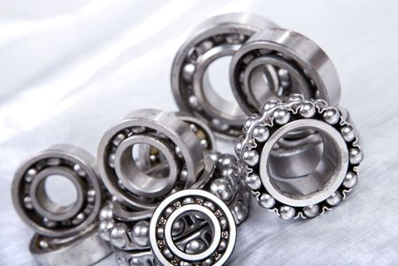 Photo pour ball bearing on silver background - image libre de droit