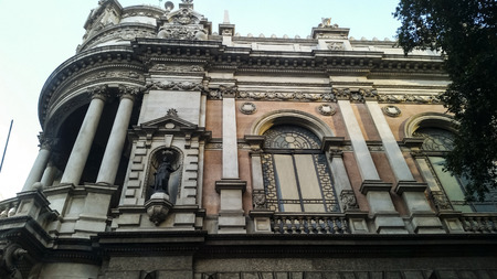 Foto de Very old house, European style, with large windows - Imagen libre de derechos