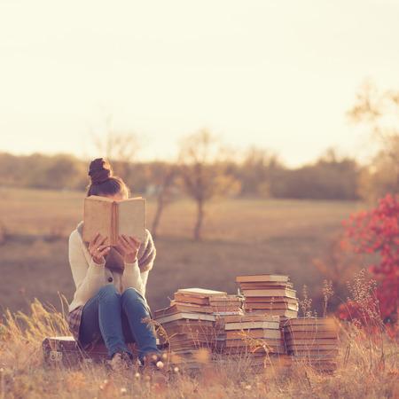 Foto de Girl with books - Imagen libre de derechos