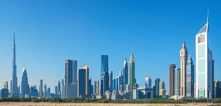Photo pour Dubai skyline skyscrapers at sunrise, United Arab Emirates - image libre de droit