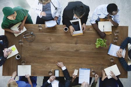 Photo pour Doctor Meeting Teamwork Diagnosis Healthcare Concept - image libre de droit