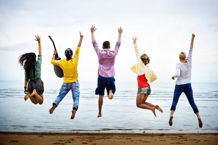 Photo pour Teenagers Friends Beach Party Happiness Concept - image libre de droit