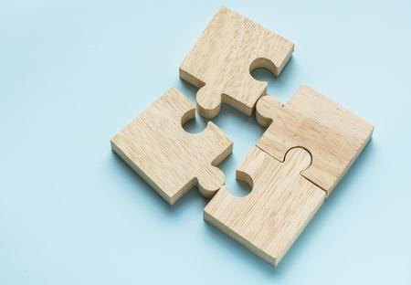 Photo pour Jigsaw teamwork concept macro shot - image libre de droit