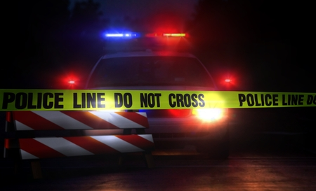 Foto de Police line do not cross at night - Imagen libre de derechos