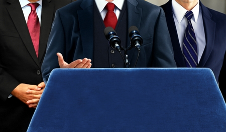 Photo pour Spokesperson talking during press media conference - image libre de droit