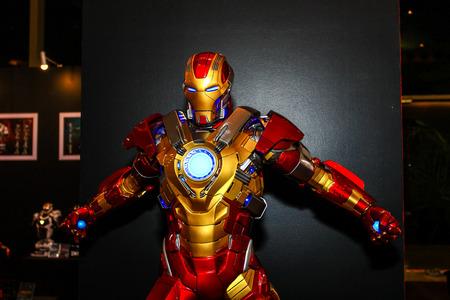 Photo pour Bangkok - May 2: An Iron Man model in Thailand Comic Con 2015 on May 2, 2015 at Siam Paragon, Bangkok, Thailand. - image libre de droit