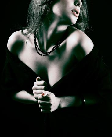 Photo pour Beautiful woman.  - image libre de droit