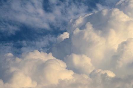 Clouds  (cumulus)