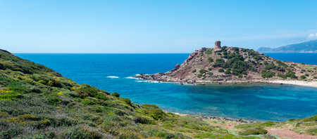 Photo pour Landscape of the coast near Porticciolo, in Sardinia, with the ancient tower in a sunny day - image libre de droit
