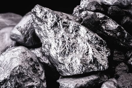 Photo pour chrome stone extracted from mine, isolated black background. - image libre de droit
