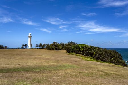 Photo pour View of the Clarence River Lighthouse, built in 1955 at the mouth of the Clarence River in Yamba, Northern Coast of NSW, Australia - image libre de droit